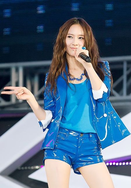 Krystal Jung at the SMTown Live World Tour III (3).jpg