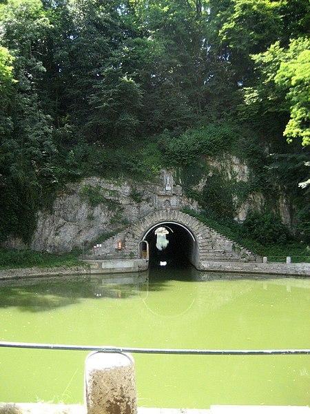 La percée de Thoraise in the Canal du Rhône au Rhin.