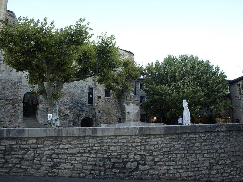 File:La piazzetta - panoramio.jpg
