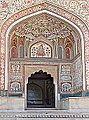 La porte de Ganesh (fort d'Amber) (8490829992).jpg