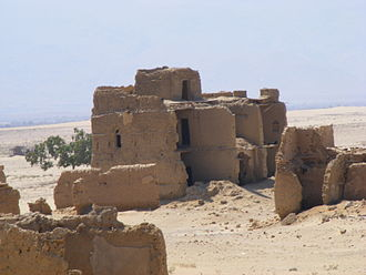 Warsangali Sultanate - Ruins in the coastal town of Las Khorey.