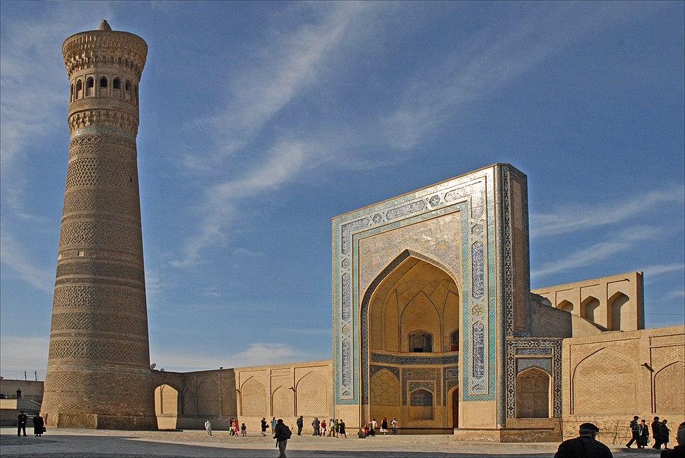 Le minaret et la mosqu%C3%A9e Kalon (Boukhara, Ouzb%C3%A9kistan) (5658826884)