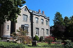 Leland Castle - Image: Leland Castle, New Rochelle, NY (Rear View Courtyard)