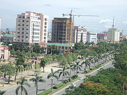 Lenin Avenue in Vinh city.jpg