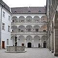 Linz Landhaus Innenhof 1.jpg