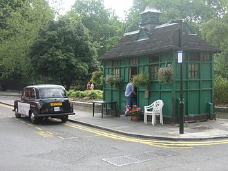 Russell Square - Russell Square cabmen's shelter