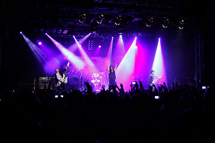 Mucc were one of many visual kei metal acts to pursue international activities in the 2000s. MUCC-Montmartre-2009.jpg