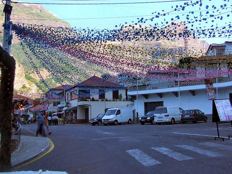 File:Madeira - Curral das Freiras Village (11913201844).jpg