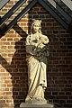 Madonnenfigur Rorup Kirchplatz.jpg
