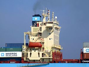 Maersk Greenock pC approaching Port of Rotterdam, Holland 08-Apr-2007.jpg