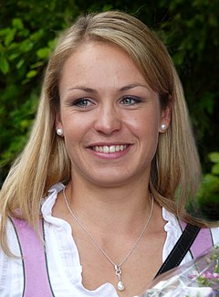 Magdalena Neuner Panoramaweg 2013 (1)-retouched