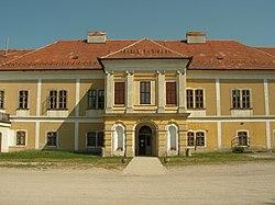 Magyarország, Iszkaszentgyörgy, Amadé-Bajzáth-Pappenheim-kastélyegyüttes és parkja 04.JPG