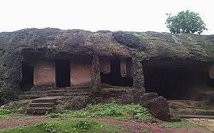 Mahakali Caves - Image: Mahakali caves 01