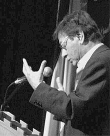 Mahmoud Darwish di Universitas Bethlehem, (2006).