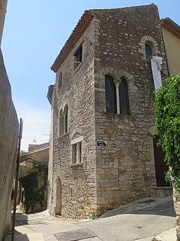 Maison romane à Hyères.jpg