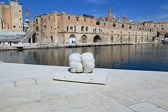 Malta Dockyard - Image: Malta Cospicua Fuq San l Inkurunazzjoni Dock no 1 09 ies