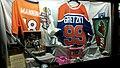 Manning & Gretzky (37271555966).jpg
