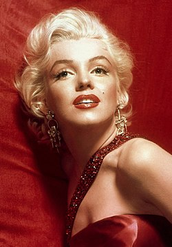 Marilyn Monroe in How to Marry a Millionaire.jpg