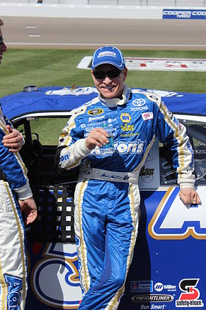 Ginn Racing - Mark Martin drove the 01 part-time in 2007, he would move to DEI's 8 car with Aric Almirola in 2008.