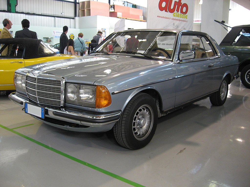 File mercedes benz 280 ce w123 at the old time show in for Mercedes benz schererville in