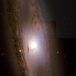 Messier 65 Hubble WikiSky.jpg