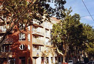 Ferencváros - Leafy inner Mester utca.