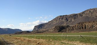 Ice Age Floods National Geologic Trail - Moses Coulee at mid canyon