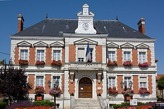 Milly-la-Forêt - The town hall in Milly-la-Forêt