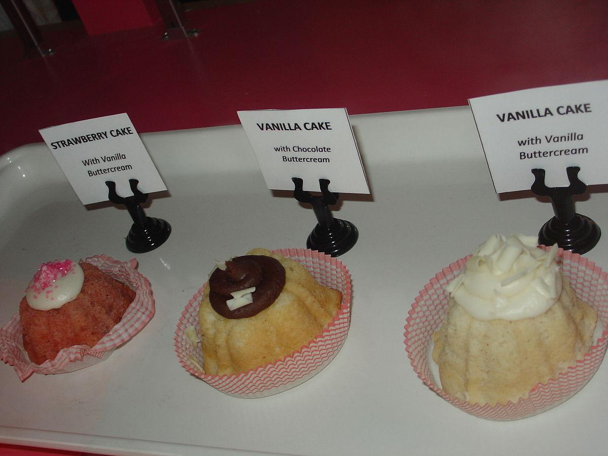 Mini bundt cakes.jpg