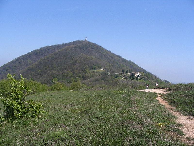 File:Monte Ventolone.JPG