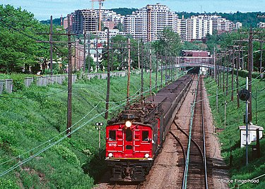 CN Boxcab Electric locomotive leaving Mount Royal Tunnel, 1989. Montreal (3782223411).jpg