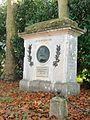 Monument hommage à Nicolas Poussin - les Andelys.jpg