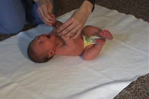 File:Moro reflex in four-day-old infant.ogv