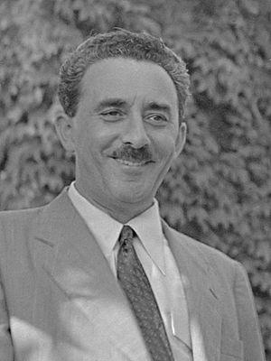 Moshe Sharett - Image: Moshe Sharett (1948)