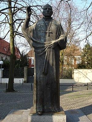 Statue von Clemens August Graf von Galen am no...