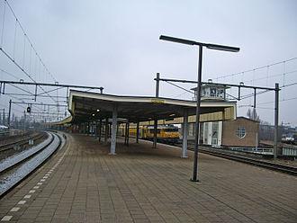 Amsterdam Muiderpoort railway station - Image: Muiderpoort treinen