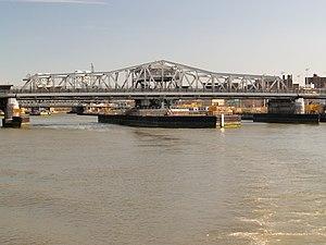 Third Avenue Bridge (New York City) - From south