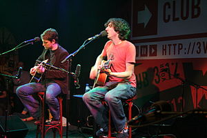 Eyes Open Tour - Nathan Connolly and Gary Lightbody in session for 3VOOR12 on 8 March 2006.