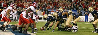 2007 Poinsettia Bowl - Navy at the line of scrimmage on Utah's goalline