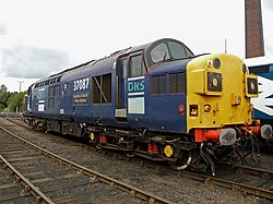 No.37087 Keighley & Worth Valley Railway (Class 37) (6163769935).jpg
