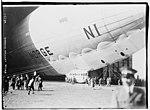 Norge Leaving Hanger (blimp) LCCN2014719375.jpg