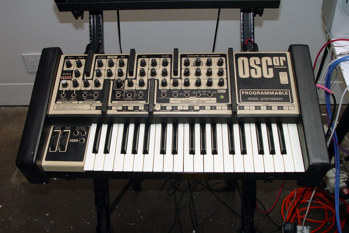 OSCar-synthesizer monophonic analog