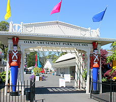 Oaks Amusement Park entrance Portland Oregon.jpg