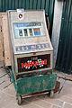 Old fruit machine (3360397156).jpg