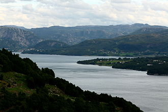Finnøy - View of the shorelines of Ombo in Finnøy