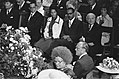 Op de voorgrond koningin Juliana en prins Bernhard, rechtsboven minister-preside, Bestanddeelnr 928-0239.jpg