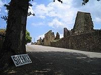Oradour-sur-Glane-Entrance-1361.jpg