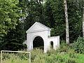 Ostróda - brama na cmentarzu (01).jpg