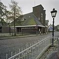 Overzicht achterzijde van vm school, nu is hier een oudheidkamer gevestigd - Ilpendam - 20403806 - RCE.jpg