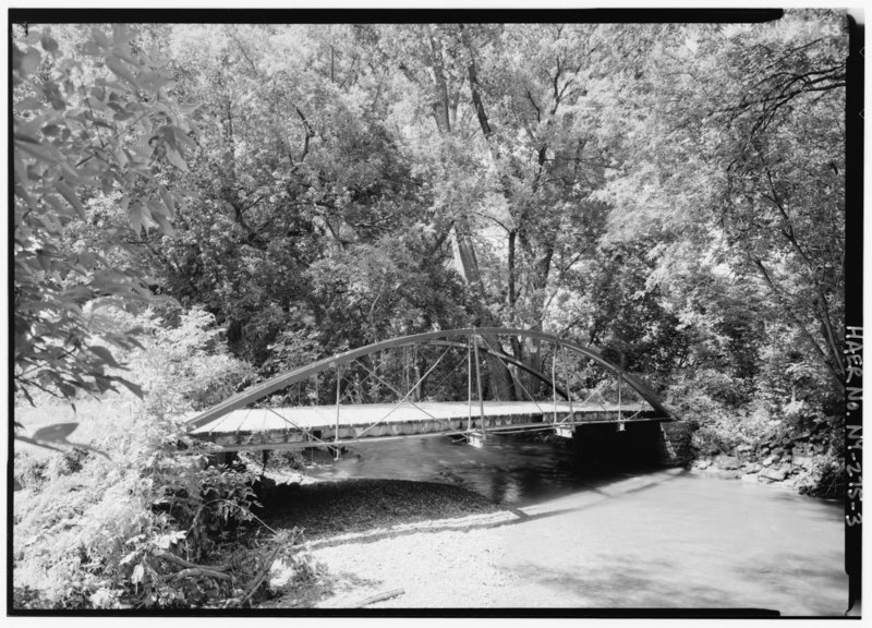 File:PERSPECTIVE LOOKING NORTHWEST. - Burdick Avenue Bridge, Spanning Cowaselon Creek at Burdick Avenue, Lenox, Madison County, NY HAER NY,27-LENOX,1-3.tif
